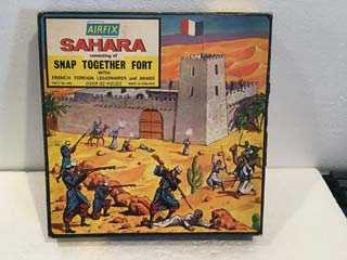 Airfix Model Kits - Sahara Snap Together Fort with French Foreign Legionaires and Arabs
