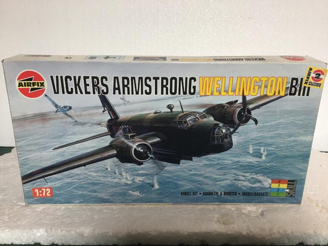 Airfix Model Kits - Vickers Armstrong Wellington BIII 1:72 Scale