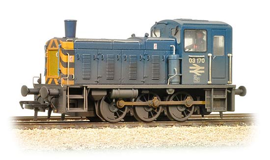 Bachmann Branchline 31-365 Class 03 Shunter 03170 in BR Blue with Wasp Stripes and Air Tanks - weathered