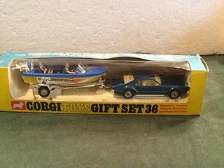 Corgi Toys Gift Set No 36 Oldsmobile Toronado Set