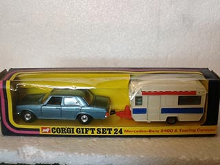 Corgi Gift Set No 24 Mercedes-Benz 240D & Touring Caravan