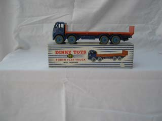 Dinky Toys 903 Foden Flat Truck with Tailboard 2nd Type Cab, Blue Cab and Chassis, Orange Flatbed, Blue Hubs