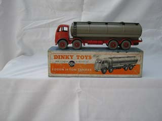 Dinky Toys 504 Foden 14-Ton Tanker 2nd Type Cab, Red Body and Chassis, Fawn Body