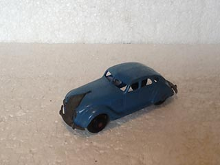 Dinky Toys Vintage 30A Chrysler Airflow Saloon