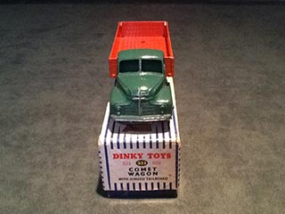 Dinky Toys 932 Leyland Comet Wagon with Hinged Tailboard