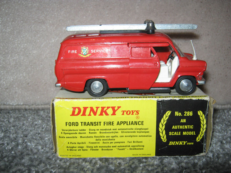 Dinky Toys 286 Ford Transit Fire Van Boxed