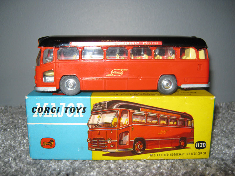 Corgi Major Toys 1120 Midland Red Motorway Express Coach