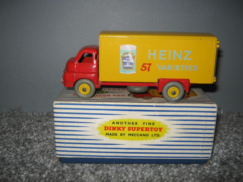 Dinky Super Toys 923 Big Bedford Lorry, Red Cab and Chassis, Yellow Back and Hubs Heinz 57 Varieties Baked Beans Picture