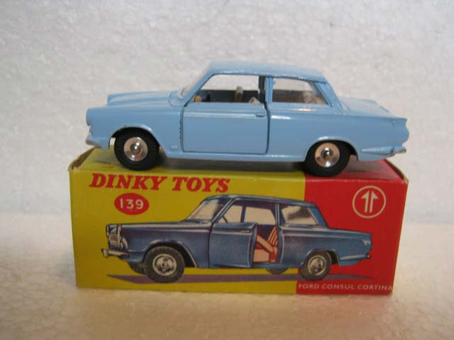 Dinky Toys 139 Ford Consul Cortina Pale Blue Body, White Interior