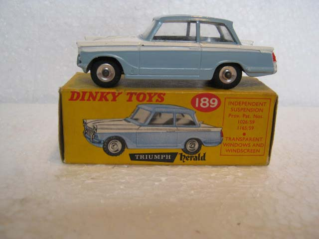 Dinky Toys 189 Triumph Herald Saloon Light Blue Roof and Sides with White Centre