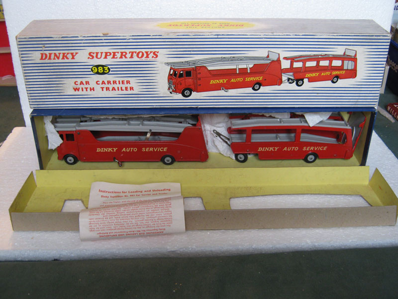 Dinky Super Toys 983 Car Carrier with Trailer in Red