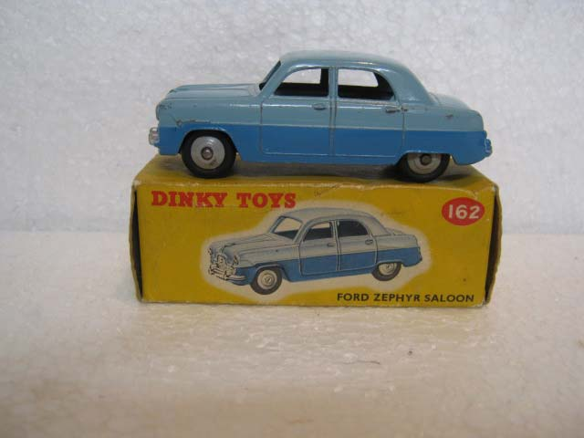 Dinky Toys 162 Ford Zephyr Saloon Two Tone Blue Body, Grey Hubs