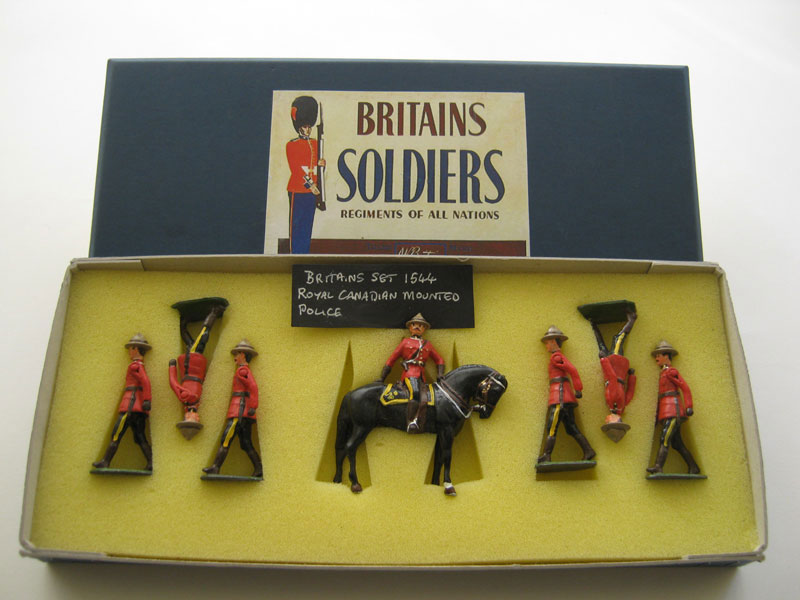 Britains Royal Canadian Mounted Police Set 1544 (Repaint)