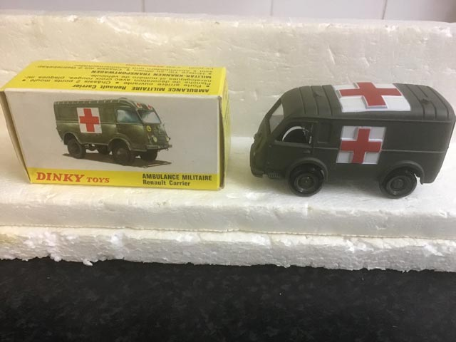 French Dinky Toys 807 Ambulance Militaire Renault Carrier Aquitania Collectables