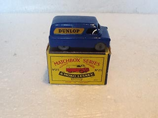 Matchbox Series 1-75 No 25 Bedford 12 cwt Van Dunlop