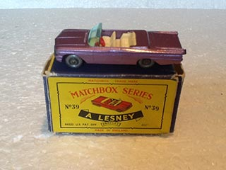 Matchbox Series 1-75 No 39b Pontiac Bonneville Convertible Metallic Purple Body, Red Steering Wheel