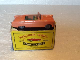 Matchbox Series 1-75 No 39 Ford Zodiac Convertible Peach Body