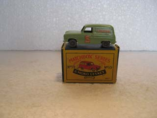Matchbox Series 1-75 No 59 Ford Thames Van Singer