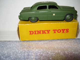 Dinky Toys 675 Ford US Army Staff Car
