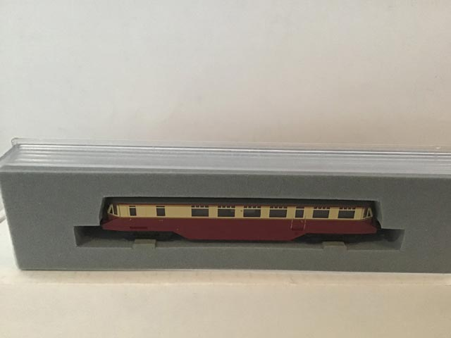 Graham Farish by Bachmann 371-627 GWR Railcar R/N W27W BR Red and Cream Livery