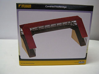 Graham Farish Scenecraft 42-127 Covered Footbridge