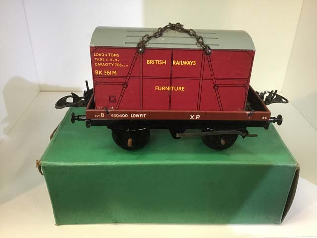 Hornby No 50 Flat Truck With Containers