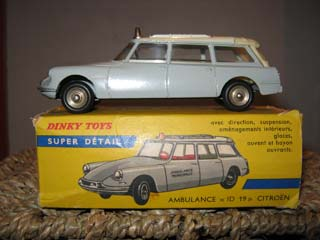 French Dinky 556 Citroen ID 19 Ambulance
