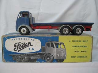 Foden FG 6-Wheel Platform Lorry, Blue Body, Grey Wings, Red Chassis