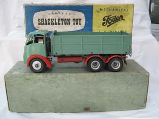 Foden FG 6-Wheel Tipper Lorry, Green Body, Red Wings, Grey Chassis