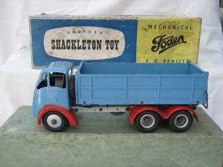 Foden FG 6-Wheel Tipper Lorry, Blue Body, Red Wings, Grey Chassis