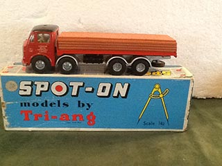 Spot On Model 110/2B AEC Lorry London Brick Company Limited