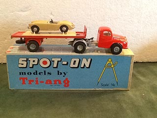 Spot On Model 106A/0C Austin Articulated Flatbed Lorry With MGA in Crate