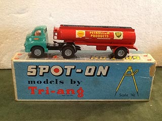 Spot On Model 158A/2 Bedford S Type 2000 Gallon Shell BP Tanker