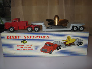Dinky SuperToys 986 Mighty Antar Low Loader with Propeller
