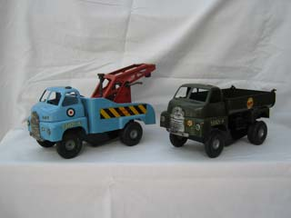Tri-ang Minic Bedford RAF Mobile Crane and Tri-ang Minic Bedford M106 6 Ton Army Tipper Lorry