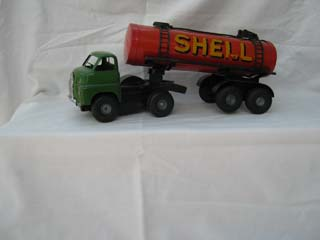Tri-ang Minic Bedford Articulated Petrol Tanker Shell
